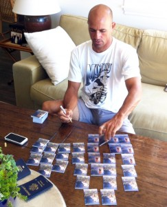 Kelly Slater signs for Upper Deck