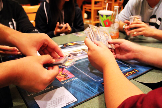 Marvel-Legendary-Deck-Building-Game-Playing-Friends