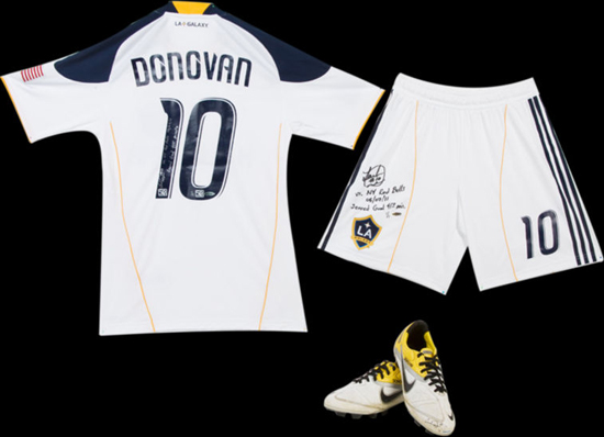 Upper-Deck-Authenticated-Soccer-Ultimate-Gift-Guide-Landon-Donovan-Game-Used-Uniform