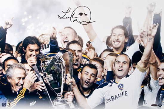 Upper-Deck-Blog-MLS-Cup-Landon-Donovan-Signed-Photo-Celebration