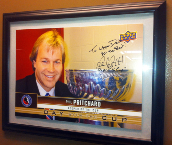 Deck-The-Halls-Upper-Deck-Phil-Pritchard-Keeper-of-the-Cup-Autograph-NHL
