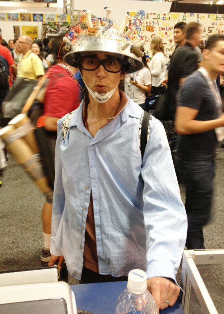 Comic-Con-San-Diego-Upper-Deck-Best-Worst-Dressed-2013-Rick-Moranis-Ghost-Busters