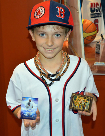 2013-National-Sports-Collectors-Convention-Daily-Wrapper-Redemption-Program-Griffey-Auto-Kid