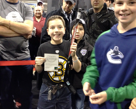 2013-NHL-Fall-Expo-Toronto-Upper-Deck-Booth-Kids-Children-Marketing-5
