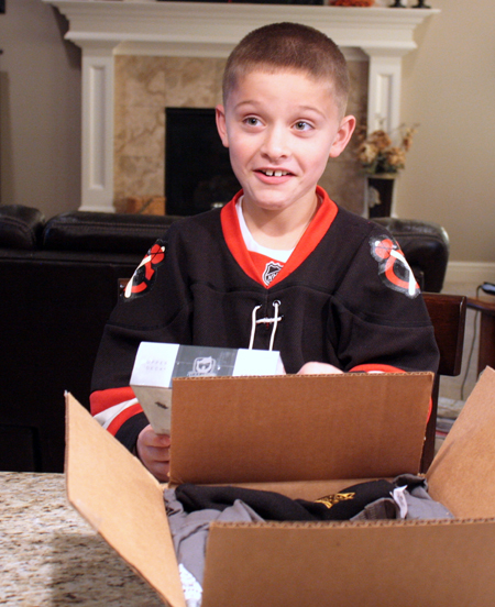 2012-13-NHL-The-Cup-Free-Pack-Kids-Cant-Believe-It