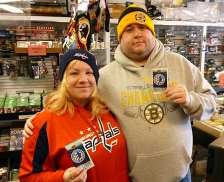 2014-Upper-Deck-National-Hockey-Card-Day-Capitals-Bruins-Couple
