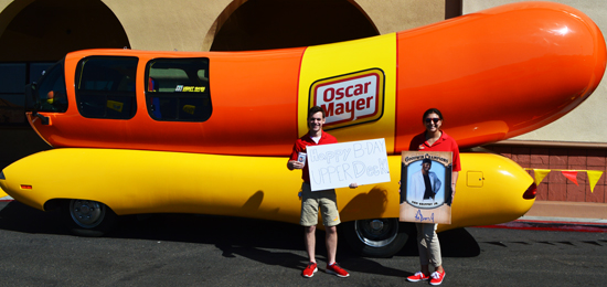 Upper-Deck-Happy-Birthday-Weiner-Mobile-Oscar-Mayer-1