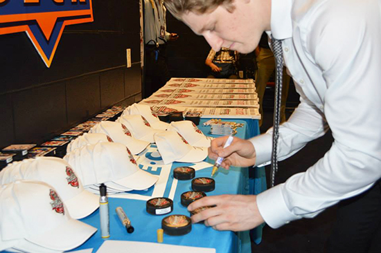 2014-NHL-Draft-Gauntlet-MacKinnon-2013-Colorado-Avalanche-Sign