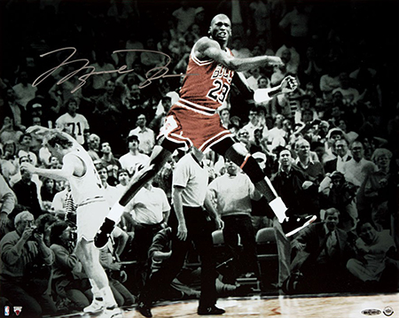 Group-Gift-Idea-Dad-Father-Upper-Deck-Authenticated-Autographed-Last-Shot-Photo-Michael-Jordan-Side