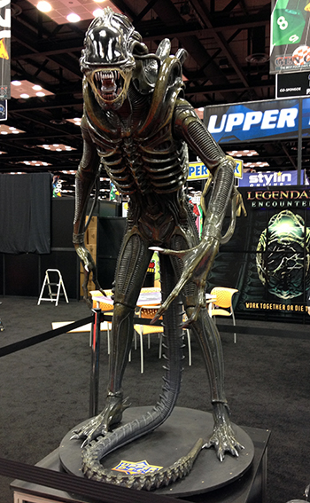 Gen-Con-Indy-Alien-Legendary-Encounters-Photo-Opp-Life-Size-UDAlien-3