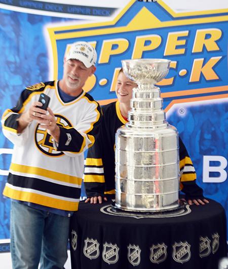 2014-Upper-Deck-Stanley-Cup-San-Diego-Visit-Keeper-Phil-Pritchard-Employee-Benefits-Perk-6
