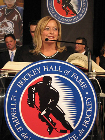 http://upperdeckblog.com/wp-content/uploads/2014/12/2014-Hockey-Hall-of-Fame-Enshrinement-Ceremony-Signing-Registrar-Burns.jpg