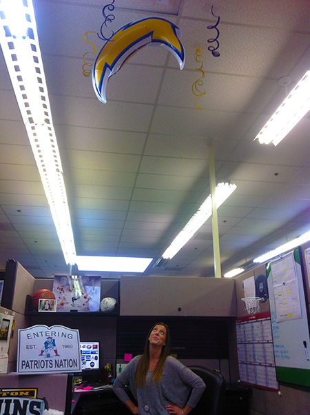 Bre-Priest-Brittany-Crawford-Upper-Deck-Chargers-Patriots-Prank-Office-Kitty-Bolt-Up