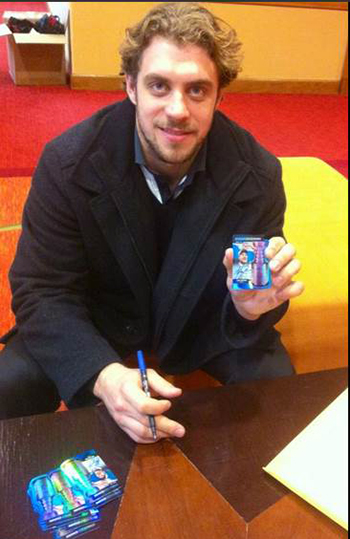 2015-NHL-All-Star-Fan-Fair-Weekend-Best-Moments-Upper-Deck-Autograph-Session-Anze-Kopitar