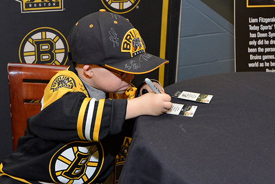 Upper-Deck-Boston-Bruins-Liam-Fitzgerald-Trading-Card-Heroic-Inspirations-Autograph-Cards