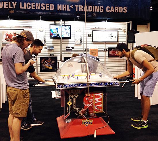 spring-sport-card-memorabilia-expo-fun-activity-trade-show-bubble-hockey-1