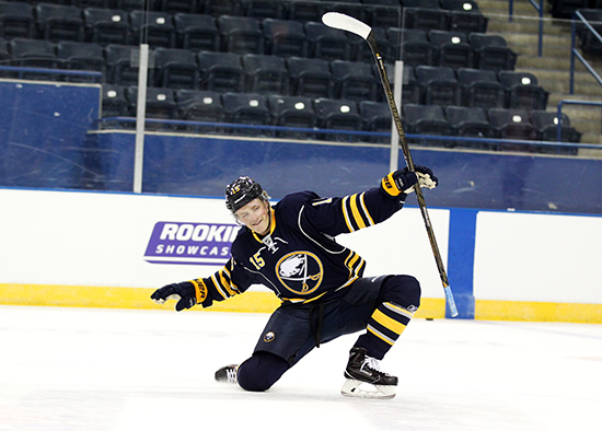 jack eichel celly upper deck nhlpa rookie showcase event
