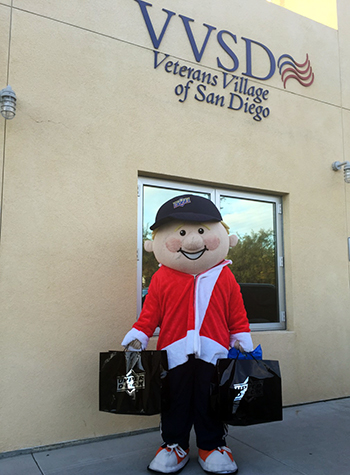 Charity-Upper-Deck-Gives-Back-at-Christmas-San-Diego-Goodwill-Military-Veterans-Village-Coach-Cardman