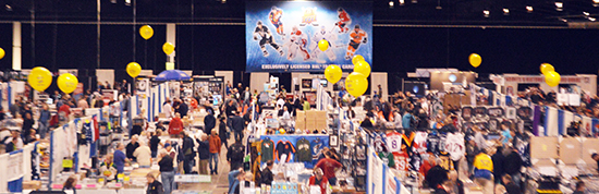 Sport-Card-Memorabilia-Expo-Upper-Deck-Booth-Balloons-Diamond-Dealer-1
