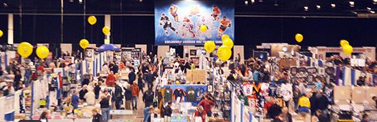 Sport-Card-Memorabilia-Expo-Upper-Deck-Booth-Balloons-Diamond-Dealer-1