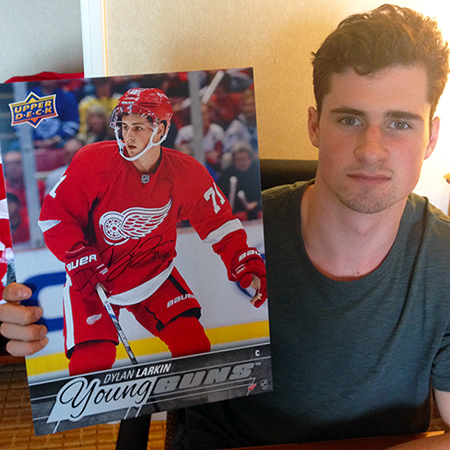 dylan-larkin-upper-deck-authenticated-detroit-red-wings-autographed-signed-young-guns-rookie-card