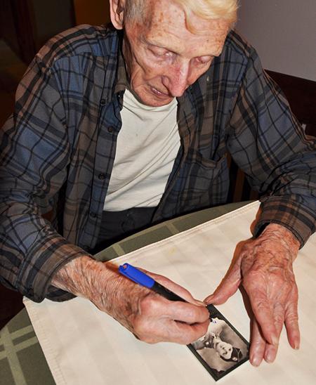 2016-Upper-Deck-Goodwin-Champions-WWII-Veteran-Autograph-Jim-Pee-Wee-Martin-1