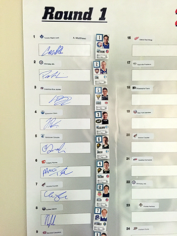 2016-NHL-Draft-Upper-Deck-First-Niagra-Buffalo-Sabres-Top-Draft-Pick-Signatures