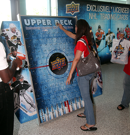 upper-deck-nhl-draft-puck-o-plinko-board