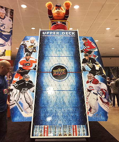 Upper-Deck-e-Pack-NHL-All-Star-Fan-Fair-Booth-Montreal-Canadiens-Youppi-Puck-O
