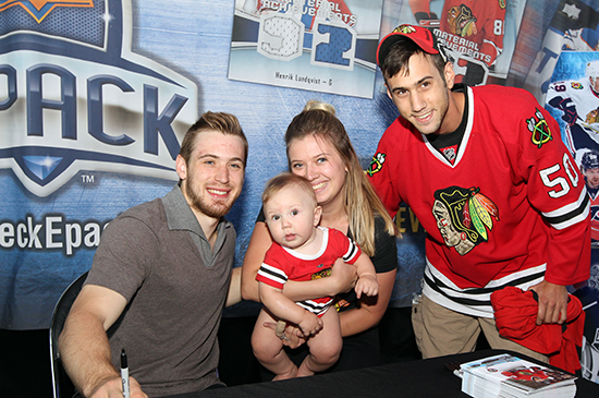 2017-nhl-draft-upper-deck-booth-autograph-session-tyler-motte-chicago-blackhawks-trade-panarin-columbus-cute-baby