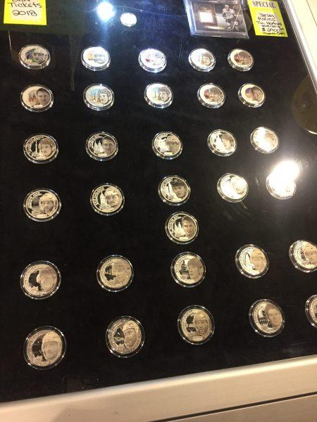 Grandeur-Upper-Deck-NHLPA-Hockey-Coins-CIBC-Booth-Expo-Dealer-Showcase