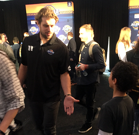 2018-upper-deck-nhl-all-star-media-day-kid-correspondent-interview-reporter-anze-kopitar-jaxson-shandler
