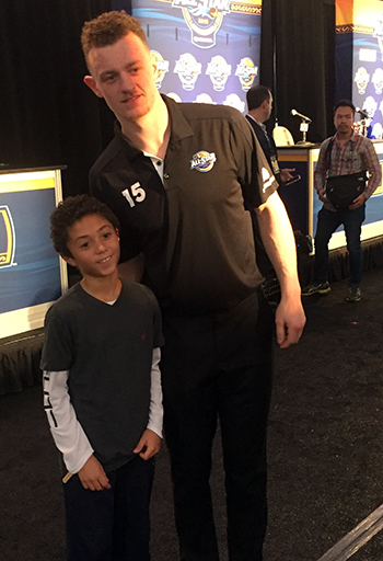 2018-upper-deck-nhl-all-star-media-day-kid-correspondent-interview-reporter-jack-eichel-jaxson-shandler