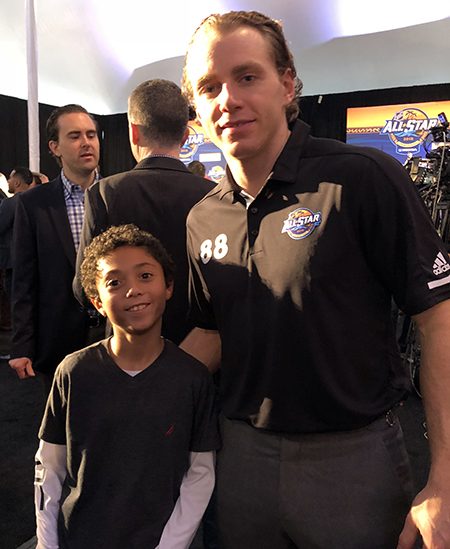 2018-upper-deck-nhl-all-star-media-day-kid-correspondent-interview-reporter-patrick-kane-jaxson-shandler