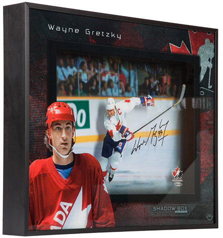 wayne-gretzky-autographed-team-canada-center-ice-shadow-box-85342-angle