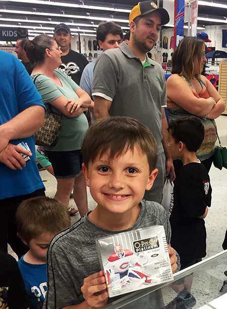 2018-upper-deck-night-dave-adams-cardworld-happy-winner-kid-card-5