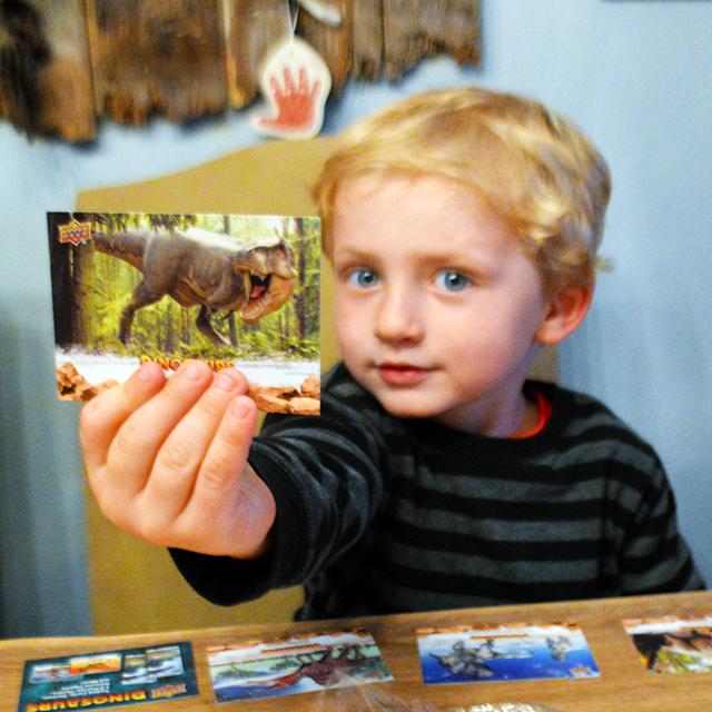 upper-deck-dinosaurs-trading-cards-kids-boy-son-hobby-tyrannosaurus-rex-wow