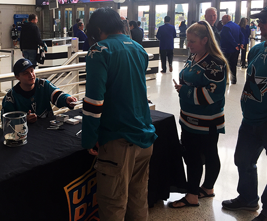 upper-deck-san-jose-sharks-hayden-bradley-young-guns-rookie-card-reveal-autograph-signing-3