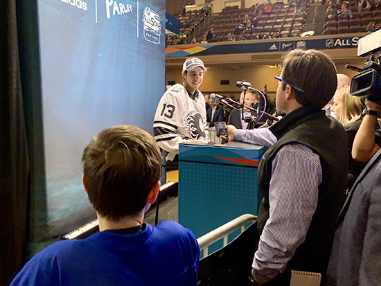 2019-upper-deck-nhl-all-star-media-day-kid-correspondent-8