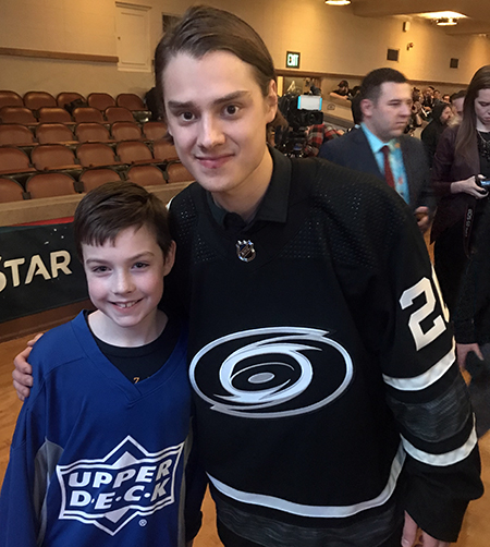 2019-upper-deck-nhl-all-star-media-day-kid-correspondent-player-sebastian-aho